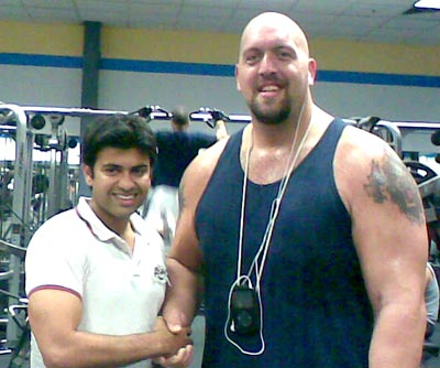 Hassan Khan with wrestler Big Show