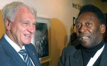 Bobby Robson with Pele.
