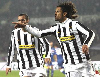 Juventus's Amauri celebrates