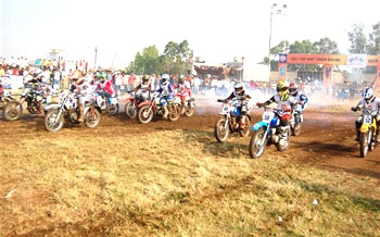 Riders kick-start the competition in the 155cc Novice Class