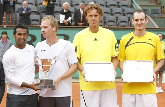 Leander Paes, Lukas Dlouhy, Wesley Moodie and Dick Norman