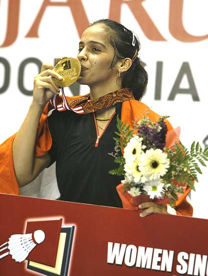 Sania Nehwal becomes the first Indian to win a Super Series tournament