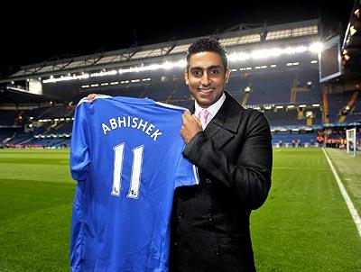 best service 3ba4b 15043 Chelsea surprise for Abhishek Bachchan - Rediff Sports