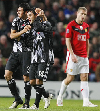Besiktas' Rodrigo Tello celebrates his goal against Manchester United