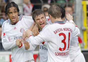 Luca Toni and Thomas Mueller