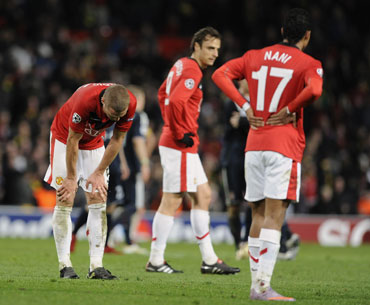 Manchester United players dejected after their loss to Bayern Munich