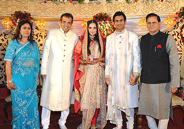 Sania and Shoaib are flanked by Sania's parents and a friend
