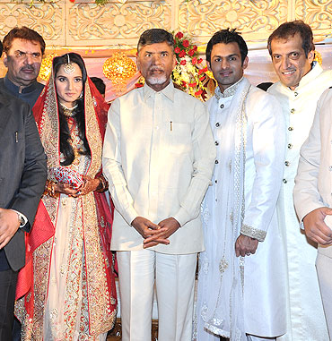 (From left) Actor Raza Murad, Sania Mirza, Chandrababu Naidu, Shoaib Malik and Sania's dad Imran