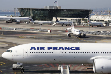 Air France stuck flight at the airport