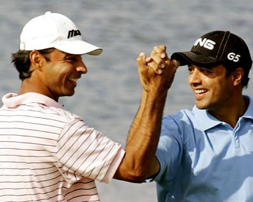 Arjun Atwal (right) with Jeev Milkha Singh