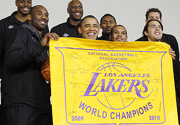 US President Barack Obama (2nd from left) with members of the LA Lakers NBA basketball team