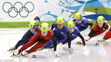 China's Zhou Yang (2nd from left) leads South Korea's Park Seung-hi (3rd left) and Lee Eun-byul (4th left) during the women's 1500 metres short track speed skating