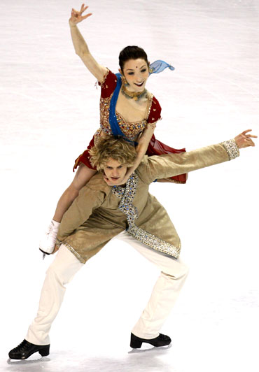 Davis and White perform during the championship original dance skate at the US Figure Skating Championships in Spokane