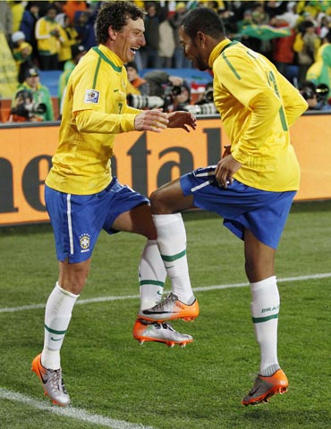 Elano and Robinho