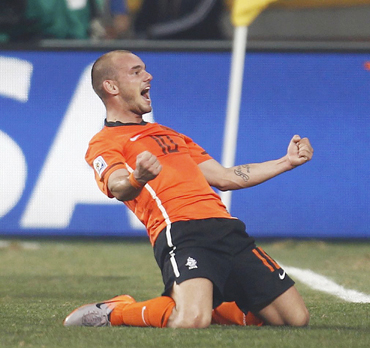 Netherlands hit back to shock Brazil