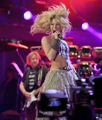 Shakira waka waka world cup 2010 song - 3 9
