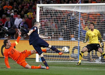 Andres Iniesta scores the winning goal