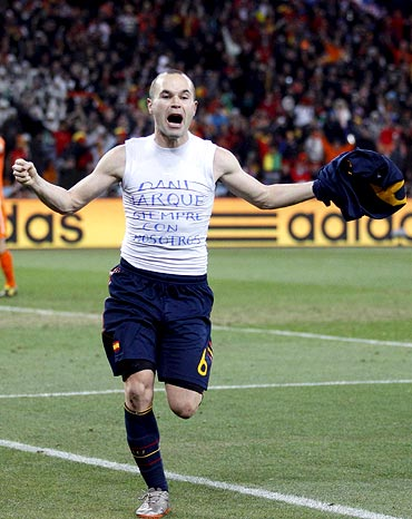 Andres Iniesta celebrates