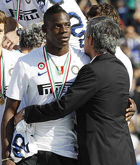 Inter Milan's Mario Balotelli with Jose Mourinho
