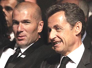 sarkozy (right) with zidane