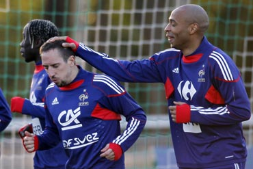 Thierry Henry (right) and Franck Ribery at a training session