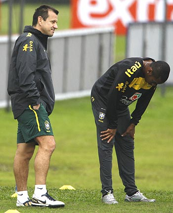 Brazil coach Dunga (left) with Robinho