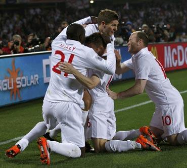 Steven Gerrard celebrates after scoring the first goal