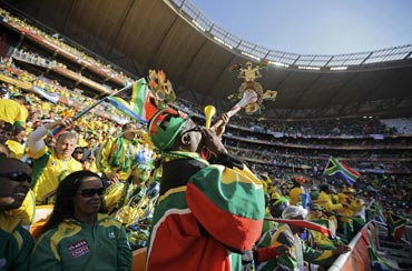 Officials feel vuvuzela are typical of SA football