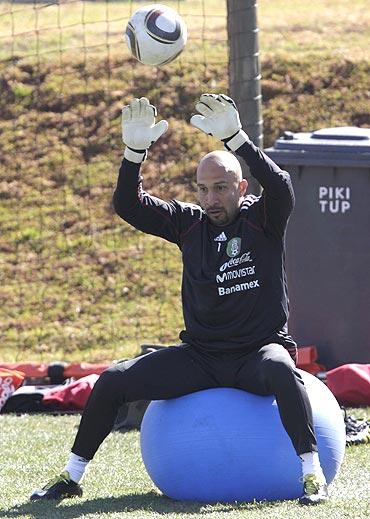 Mexico's goalkeeper Oscar Perez at a practice session