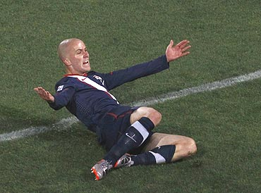 USA's Michael Bradley celebrates after scoring the equaliser