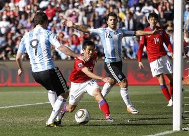 Gonzalo Higuain scores for Argentina