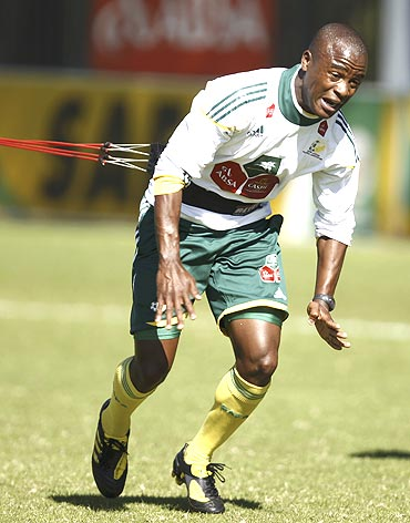 South Africa's Tsepo Masilela goes through the paces at a training session