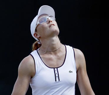 Samantha Stosur reacts after her loss
