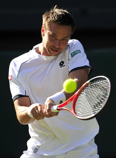 Robin Soderling returns to Robby Ginepri
