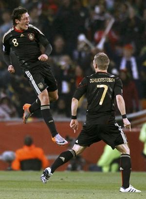 Ozil scores for Germany against Ghana
