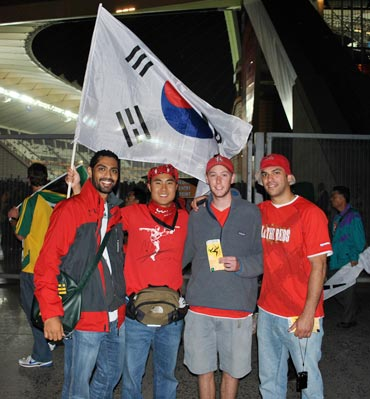 Siddhanta (left) with South Koreans fans