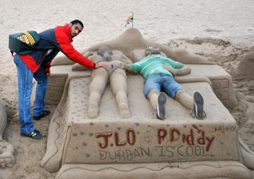 Siddhanta gets a feel of JLo in the sand