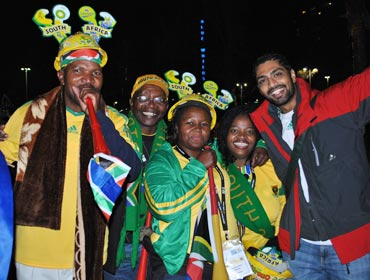 Siddhanta with South Africans fans