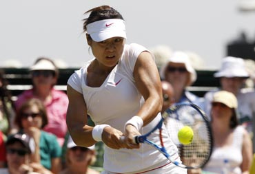 Li Na in action against Agnieszka Radwanska