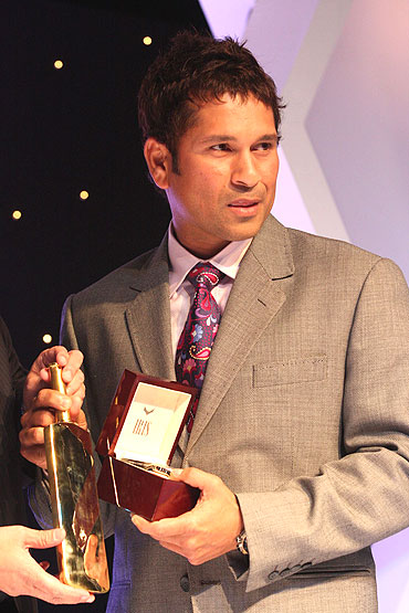 Sachin Tendulkar with the gold bat