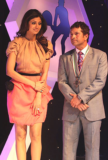 Shilpa Shetty with Sachin Tendulkar at the event