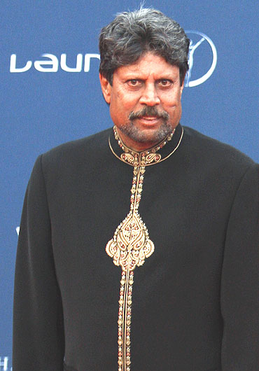 Kapil Dev at the red carpet as he arrives for the Awards function