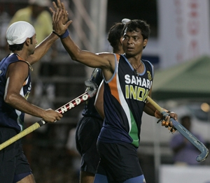 Dilip Tirkey (right) with Prabhjot Singh