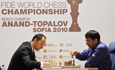 Anand faces Topalov at the FIDE World Chess Championship in Sofia