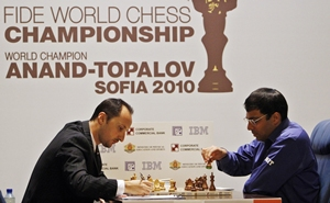 Topalov (left) and Anand