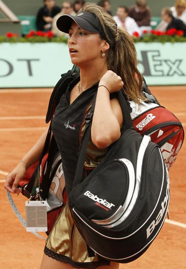 Aravane Rezai was ousted by Nadia Petrova
