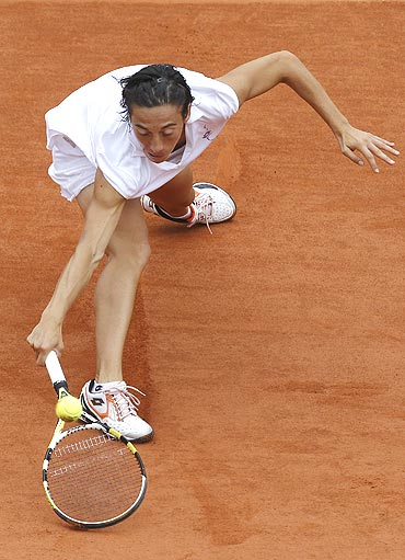 Francesca Schiavone in action against Maria Kirilenko