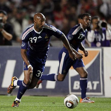 Nicolas Anelka in action against Tunisia during their international friendly