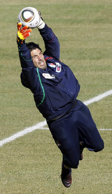 Gianluigi Buffon practices with the World Cup ball