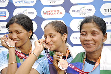 Members of the compound archery team, Bheigyabati Chanu, Jhano Hansdah and Gagandeep Kaur, with their Bronze medal
